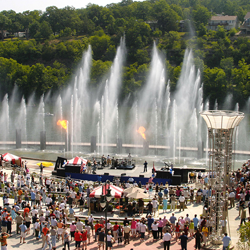 The Branson Landing Fountain Show during the day.